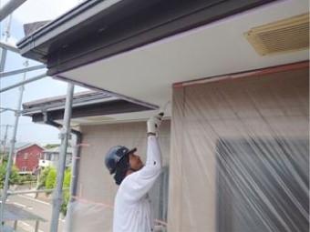 軒天の塗装は防水性を高めます