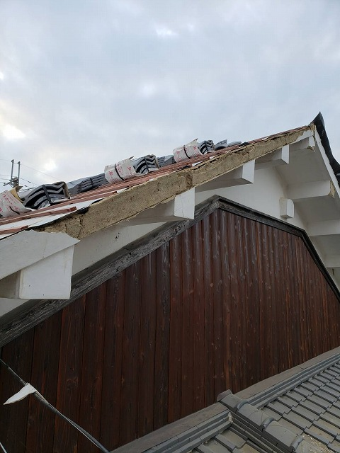 城壁破風倒壊