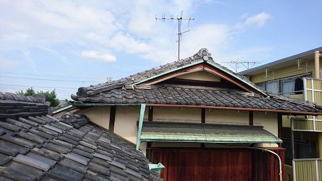 葺き替え時期の屋根