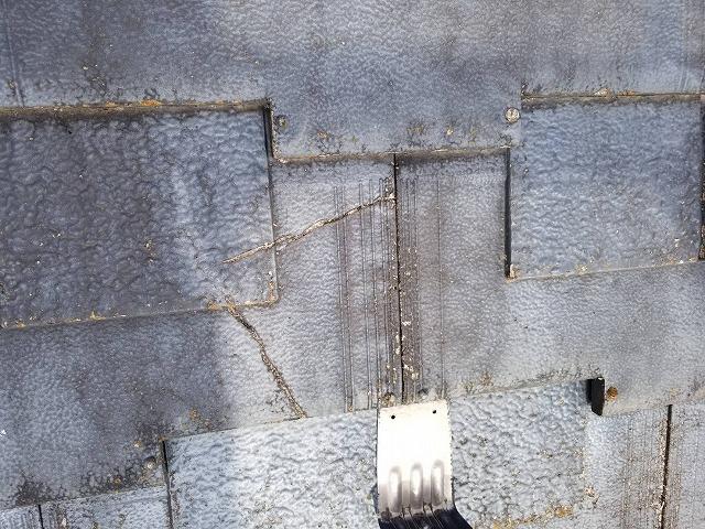 平瓦の劣化亀裂