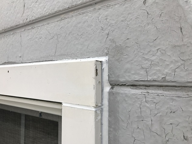 窓 コーキング