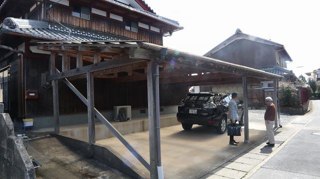 守山市にて木造カーポートの改修工事の現場調査