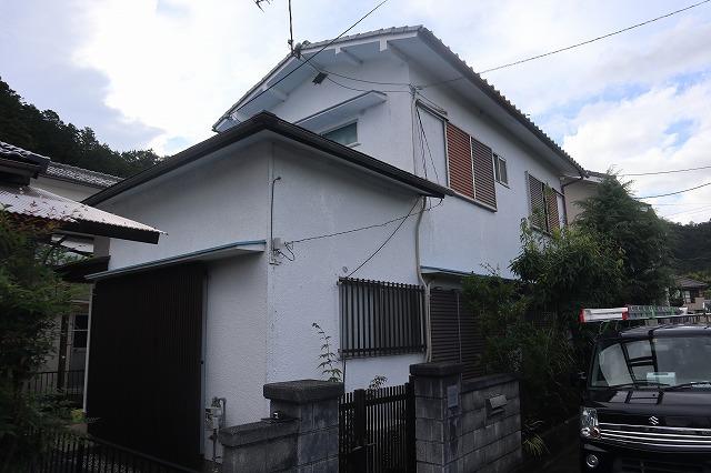 近江八幡市多賀町にて老朽化したカラーベスト屋根の現場調査