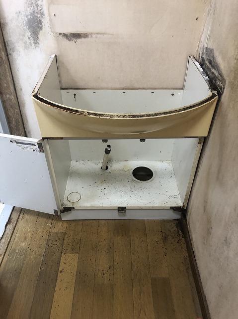 草津市田上にて台風の影響で雨漏れ、一階の洗面廊下やり替え工事